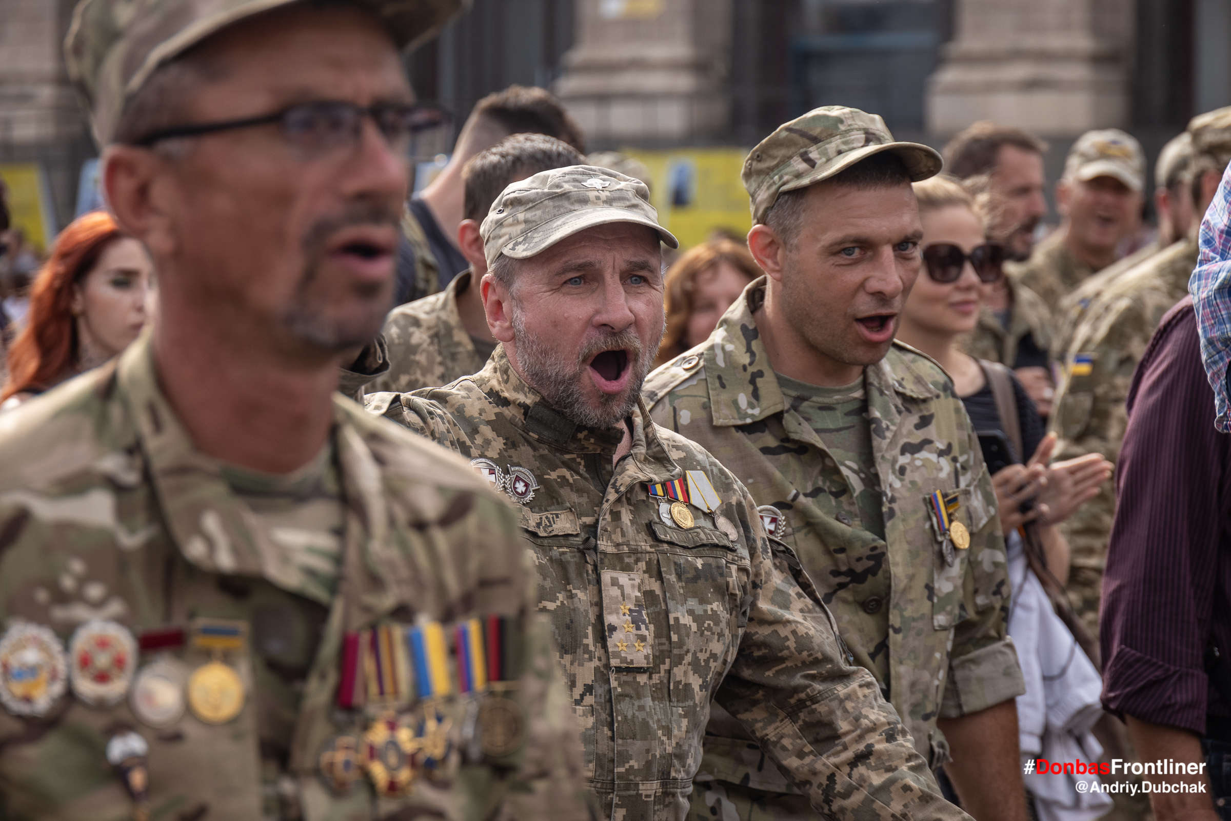 Donbas Frontliner фото - марш ветеранів 2021, доброволеці