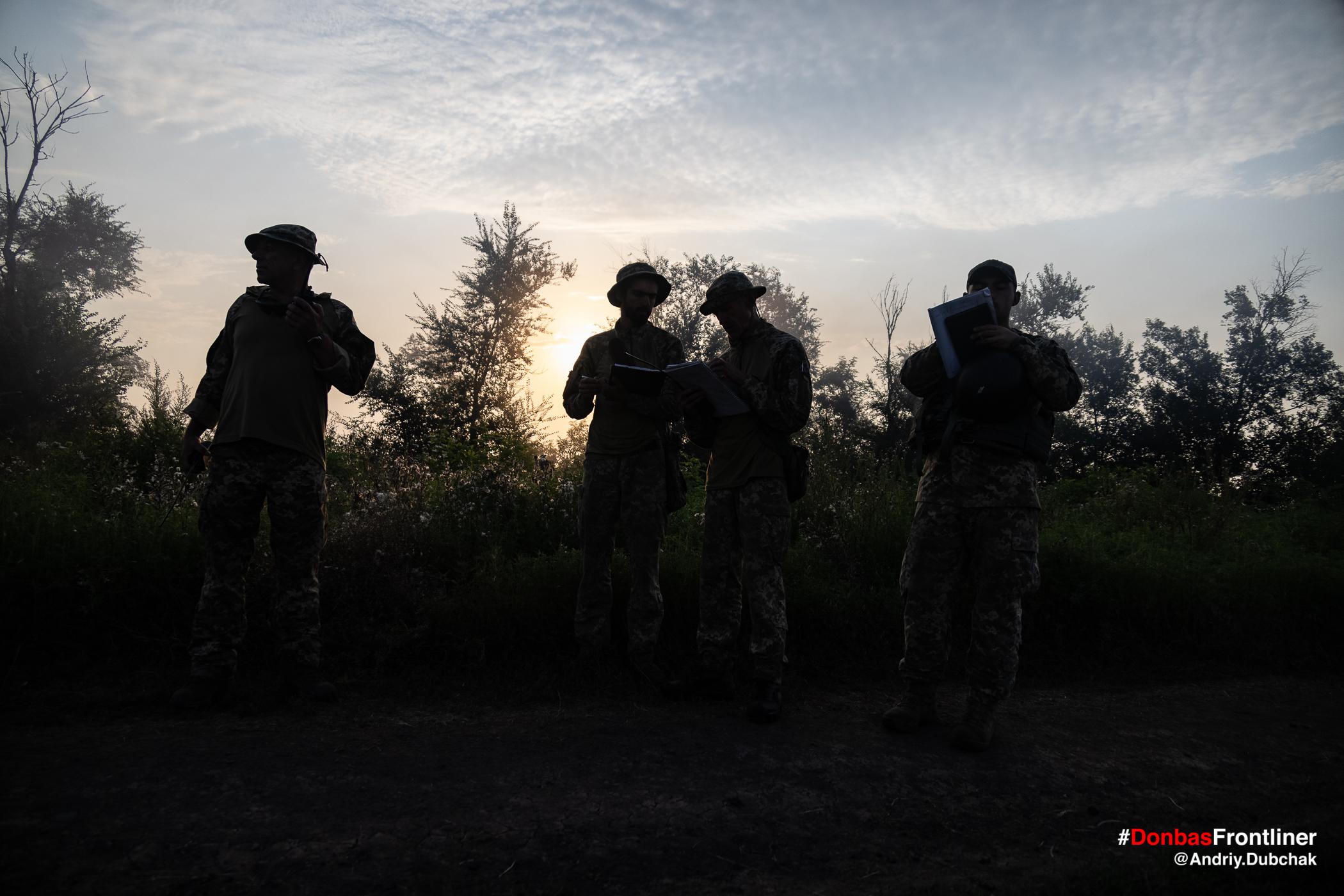 Світанок. Бойове тренування 503-го батальйону морської піхоти на Приазов'ї, липень 2021 року