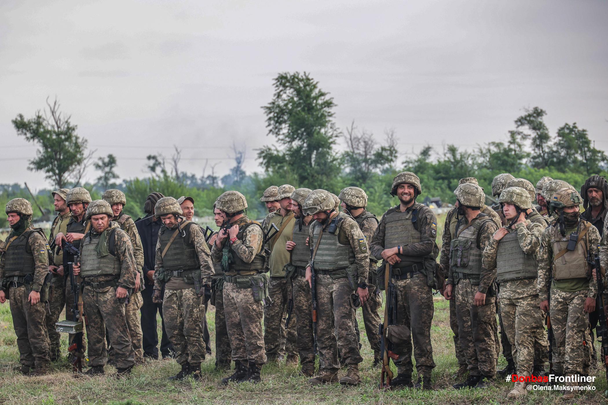 Шикування морпіхів після бойового злагодження. Бойове тренування 503-го батальйону морської піхоти на Приазов'ї, липень 2021 року