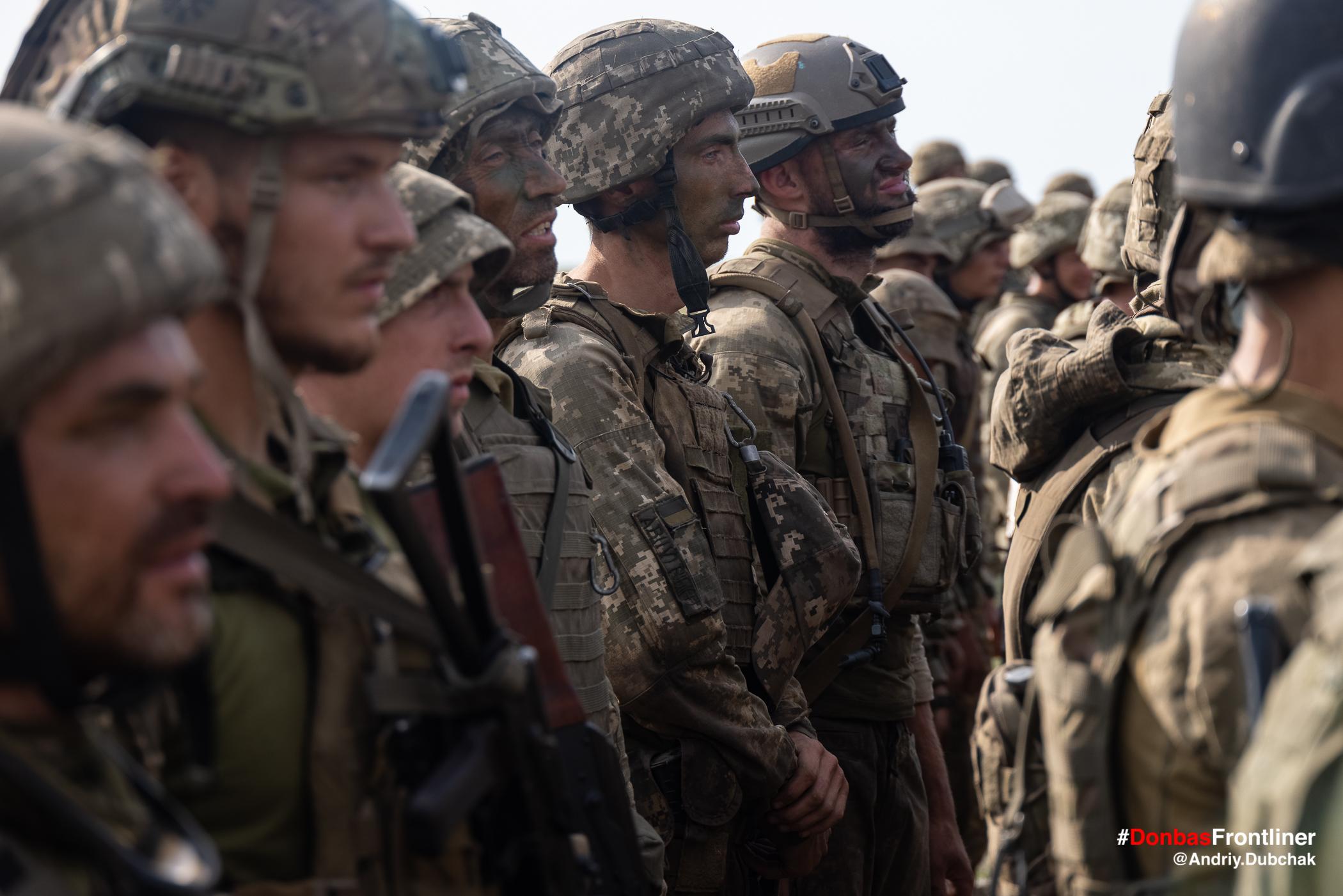 Морпіхи на шикуванні. Бойове тренування 503-го батальйону морської піхоти на Приазов'ї, липень 2021 року