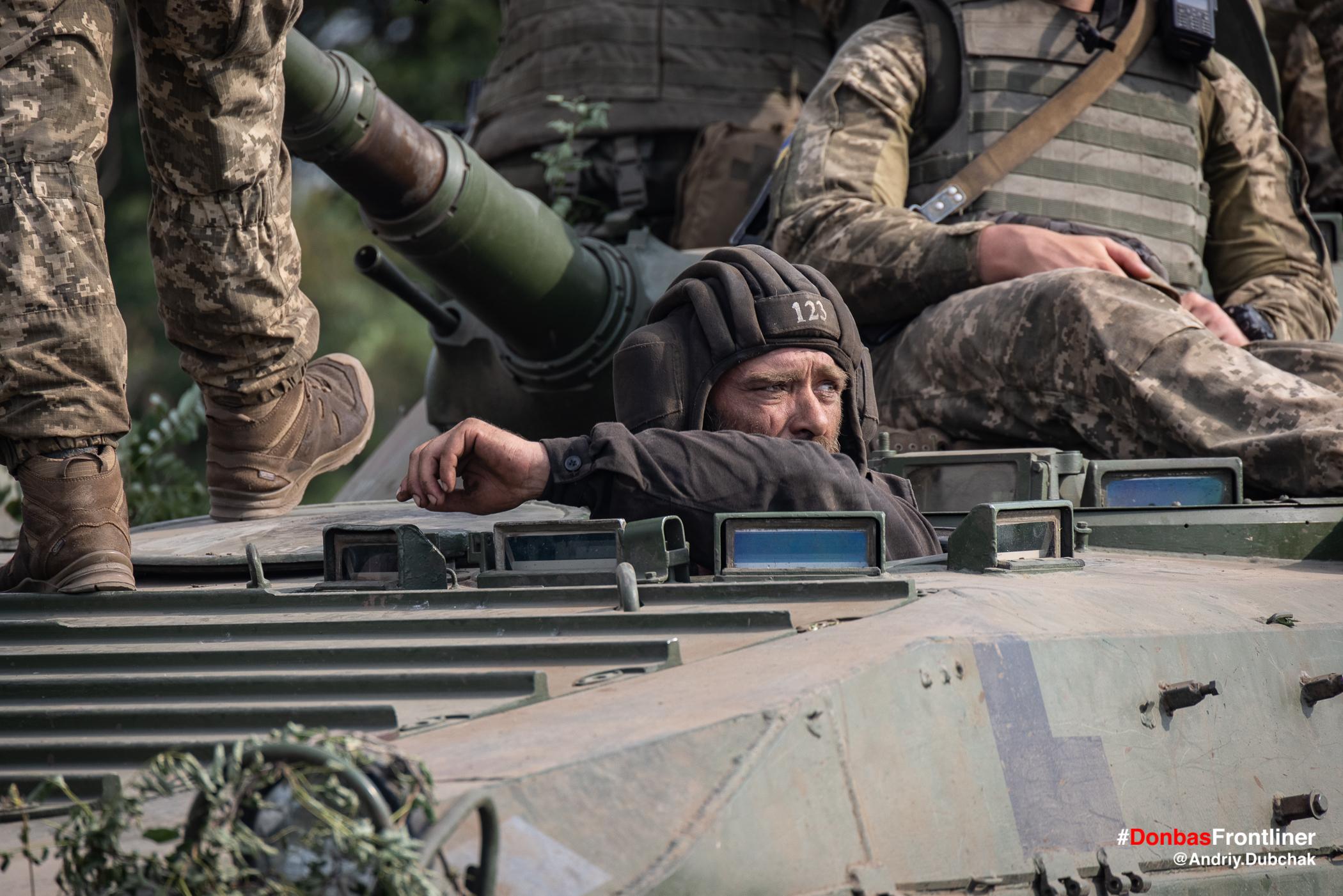 Водій БМП. Бойове тренування 503-го батальйону морської піхоти на Приазов'ї, липень 2021 року